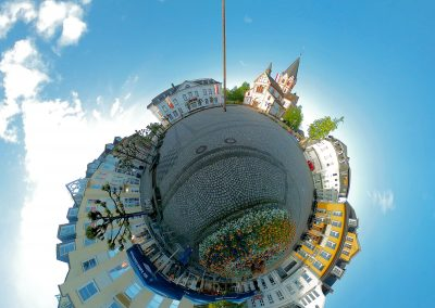 kirchplatz-maibaum-planet